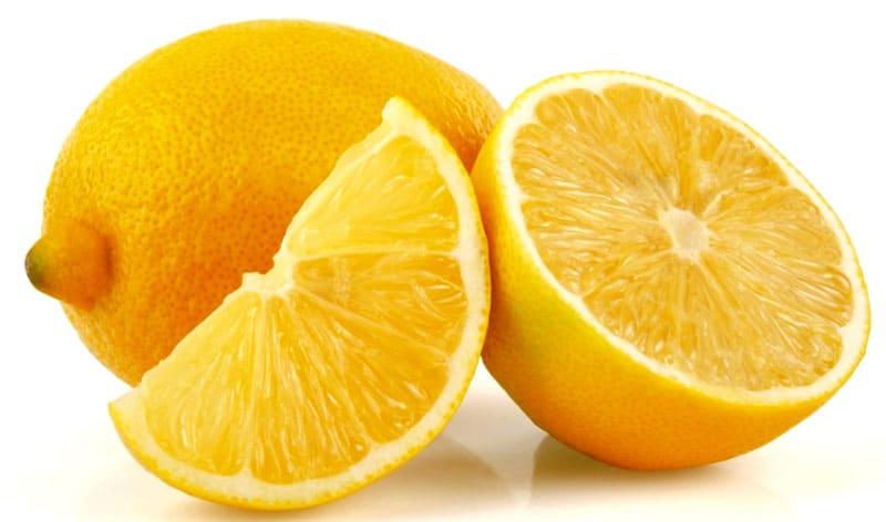 Для обработки достаточно четверти или половинки лимона