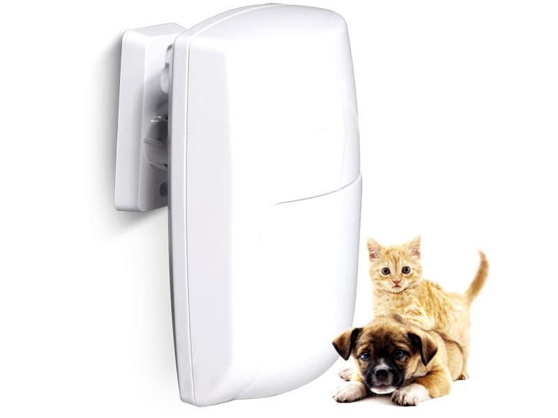 ДД можно настроить таким образом, что он не будет реагировать на мелких домашних животных
