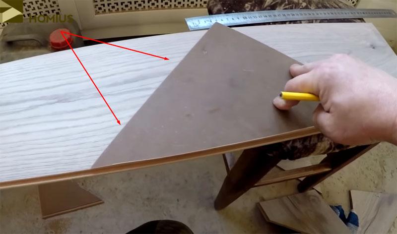 Расположение лекала на полотне ламинированной панели при разметке