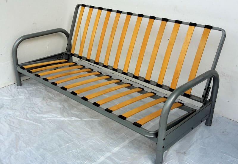 Решётчатое основание дивана