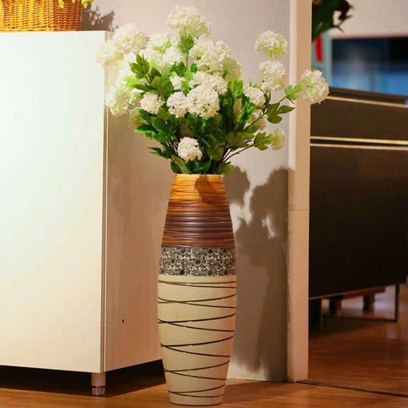 Эта напольная ваза станет отличным украшением спальни или гостиной