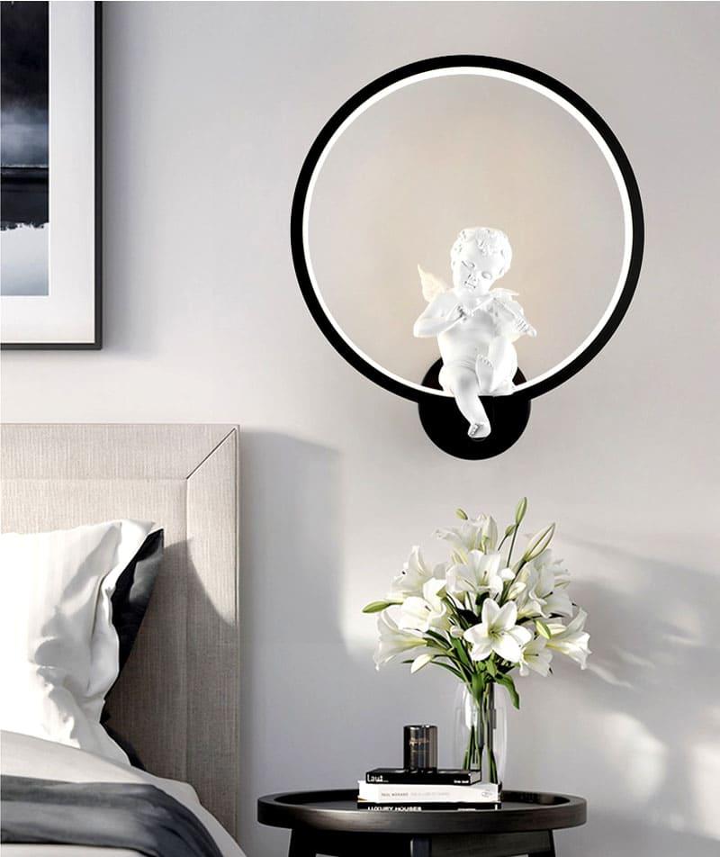 Этот оригинальный светильник украсит вашу спальню