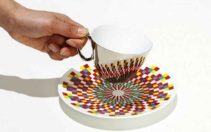 Чашка с зеркальным покрытием