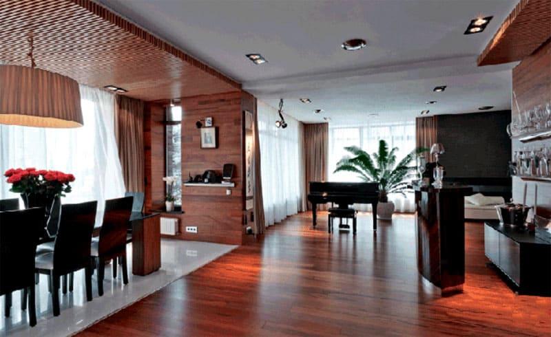 Столовая зона совмещена с гостиной