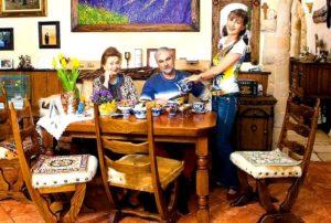Назад в сказку: особенный дом певицы Вики Цыгановой