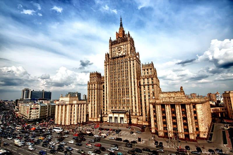 Здание МИД – одна из достопримечательностей Москвы