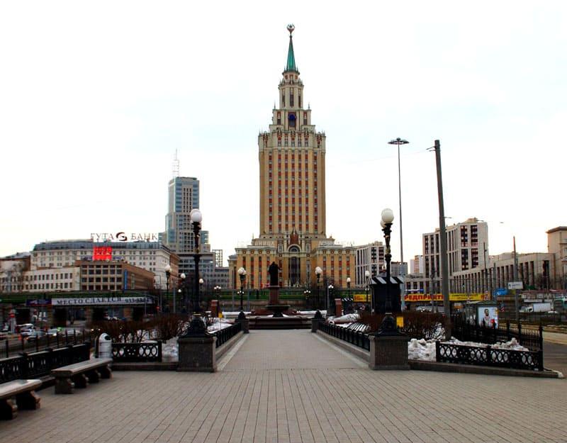 Бывшая гостиница «Ленинградская», а ныне Hilton Moscow-Leningradskaya