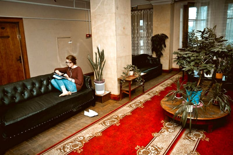 Холл студенческого общежития в МГУ