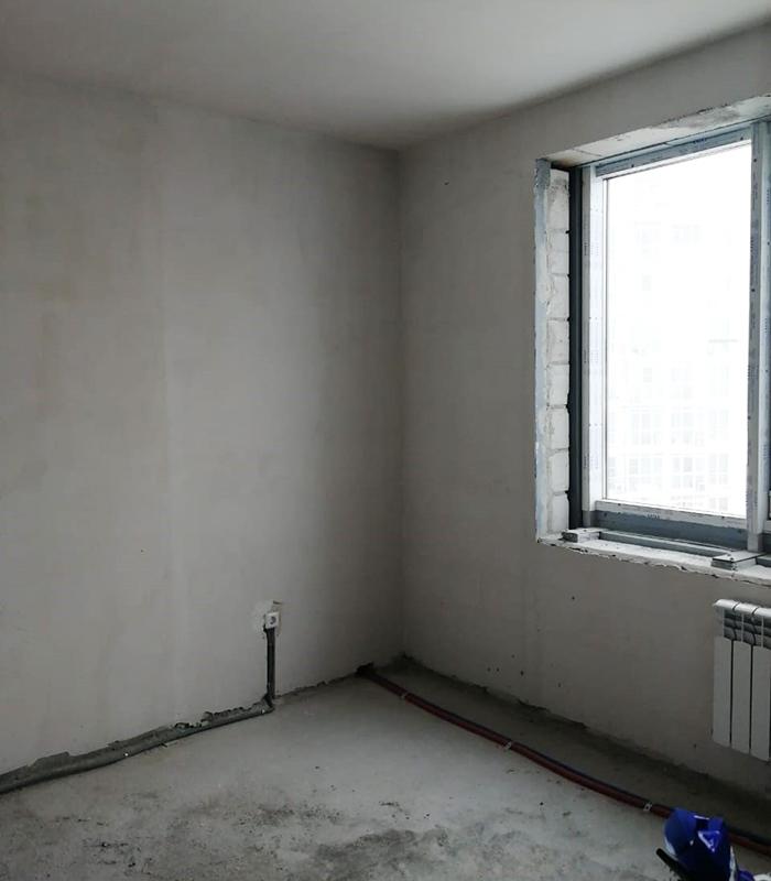 Мрачный вид моей новой квартиры без отделки