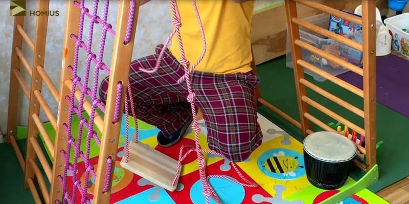Для подстраховки я сделал специальное крепление – ремень и канат с узелками