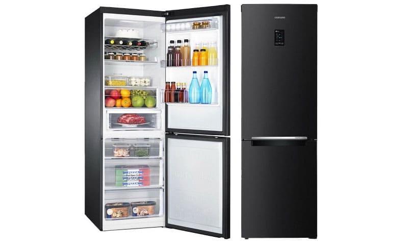 Холодильник для большой семьи черного цвета