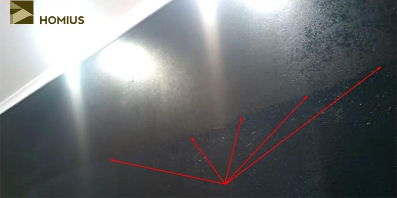 Чётко видна граница металлизированного слоя, которая явно не улучшает внешний вид