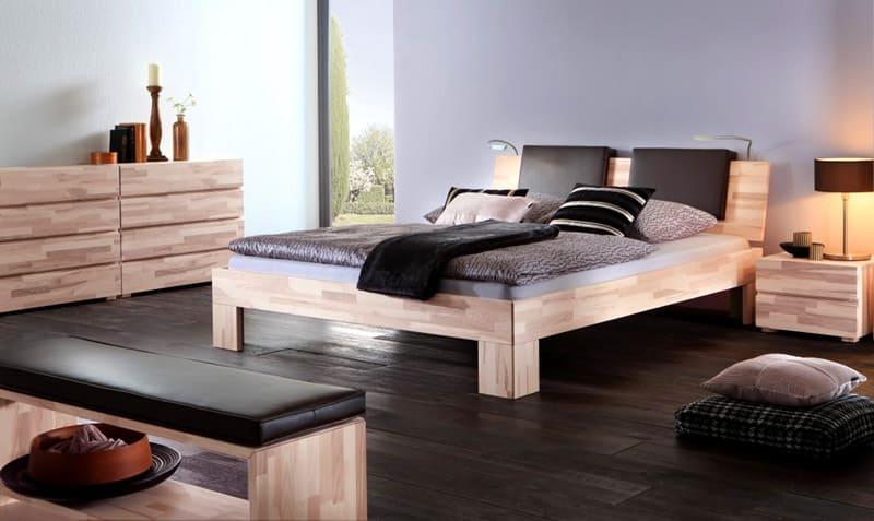 Мебель из ясеня необходимо обрабатывать специальными влагостойкими пропитками