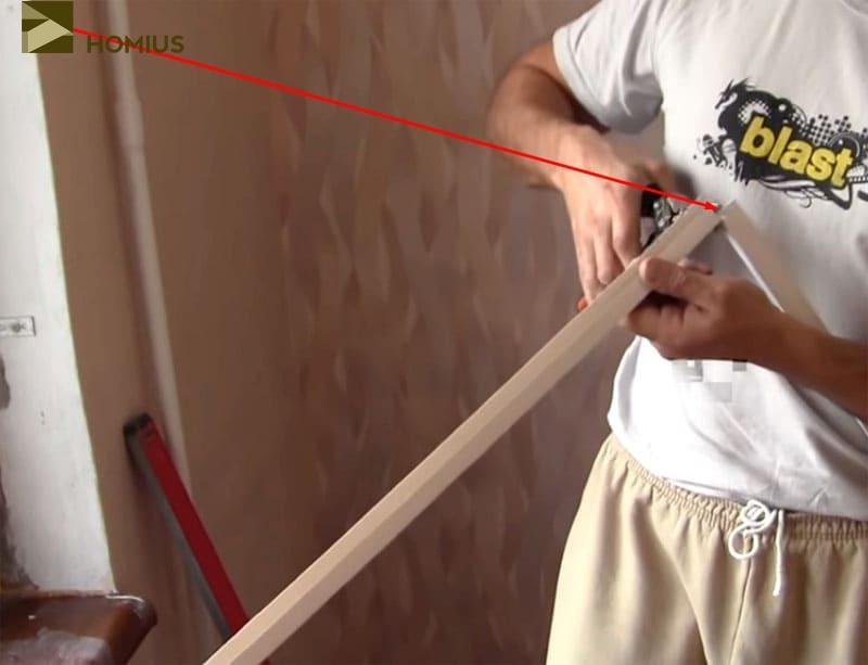 Профиль ПВХ легко режется обычными ножницами по металлу
