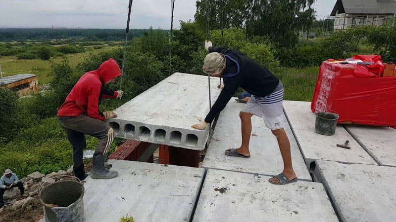 Главная задача плит и перекрытий – правильно распределить нагрузку на несущие конструкции здания