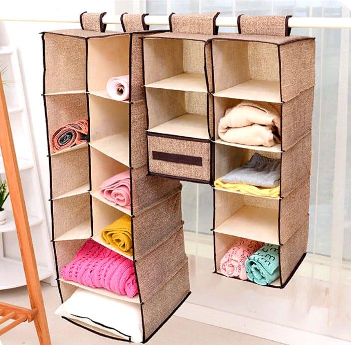 Складные полки-гармошки уже давно стали привычным решением для тех, кто страдает от отсутствия пространства для хранения.
