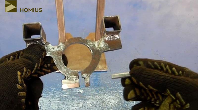 Зажимной механизм кронштейна готов, можно пользоваться