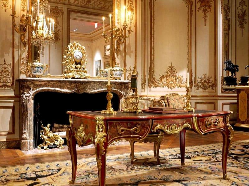 Стильный интерьер предполагает множественный мелкий декор функциональных предметов – инкрустации, вышивку золотой нитью, миниатюрную ковку