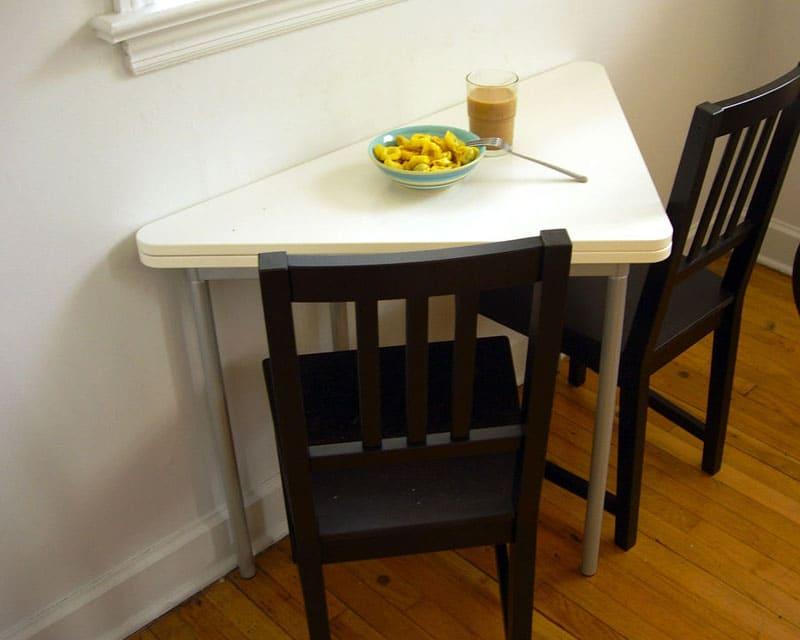 Тот же самый стол в собранном варианте