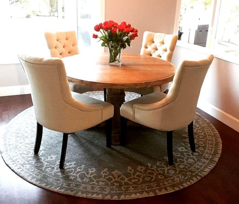 Классическим для кухонного стола круглой формы считается 75 см в диаметре