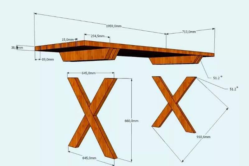 Дачный столик из натуральной древесины