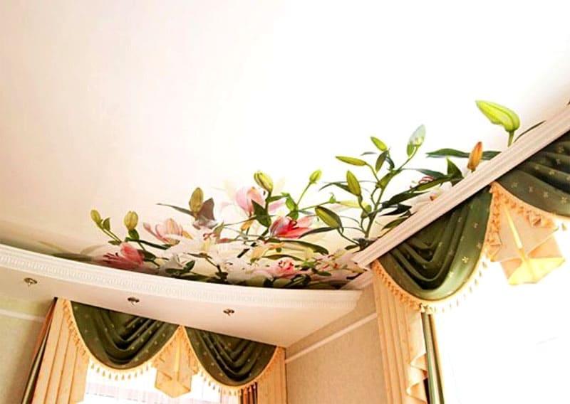 На сатиновую поверхность можно нанести любой декоративный узор