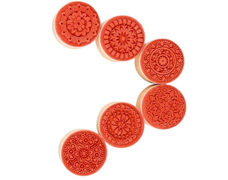 Такая печать подойдёт для оформления ёлочного украшения из фетра или любой другой вещицы