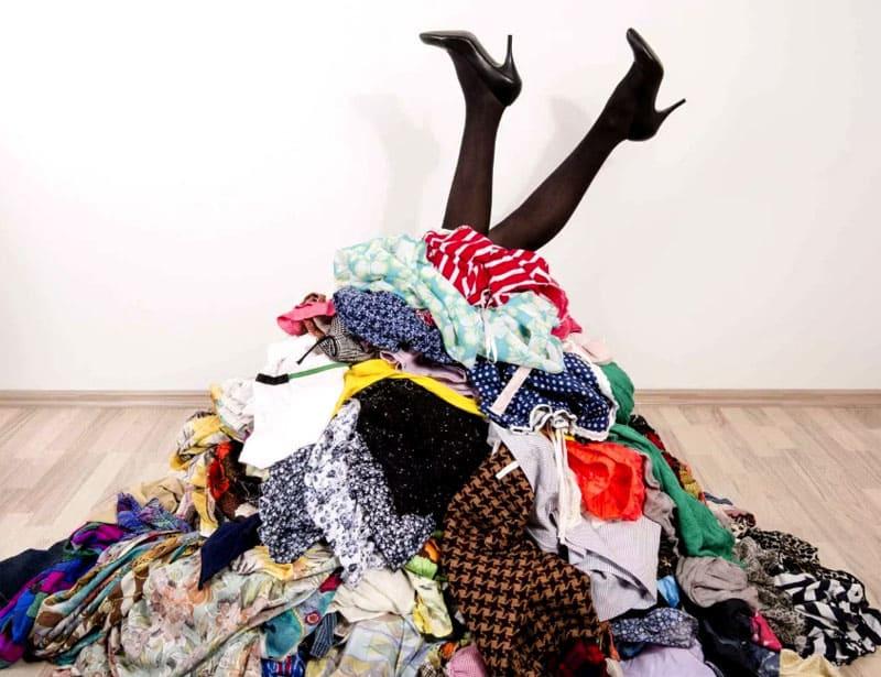 Что такого есть в старой одежде и почему ее нельзя просто выбросить или продать