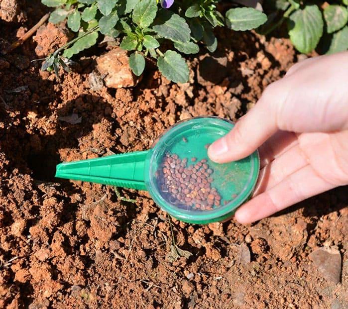 Семена распределяются равномерно, полностью исключена потеря в процессе высевания