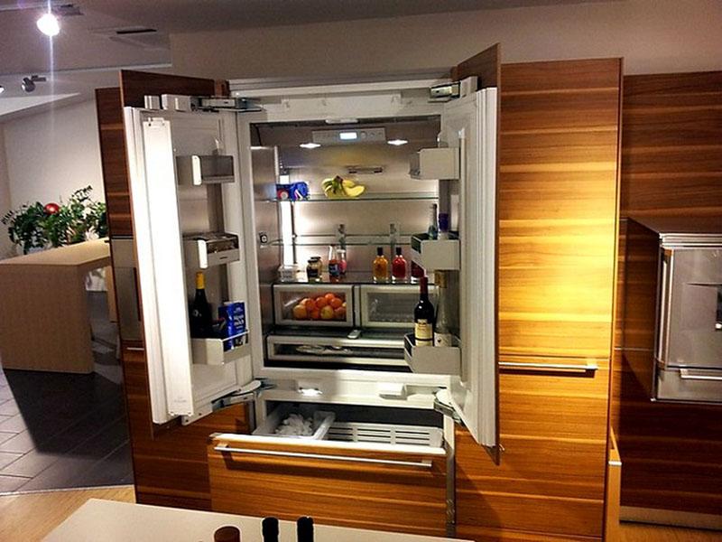 Стоимость двухдверного холодильника с камерой будет намного выше обычного