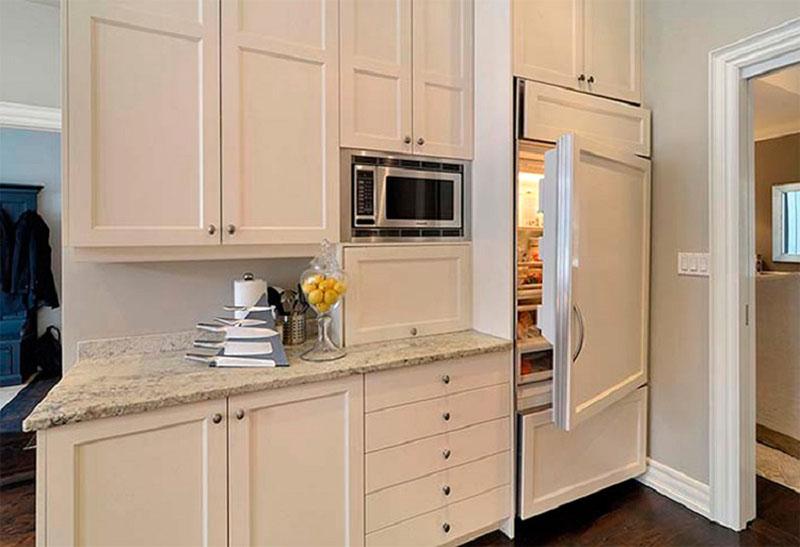 Основная проблема встраиваемого холодильника – его замена в будущем