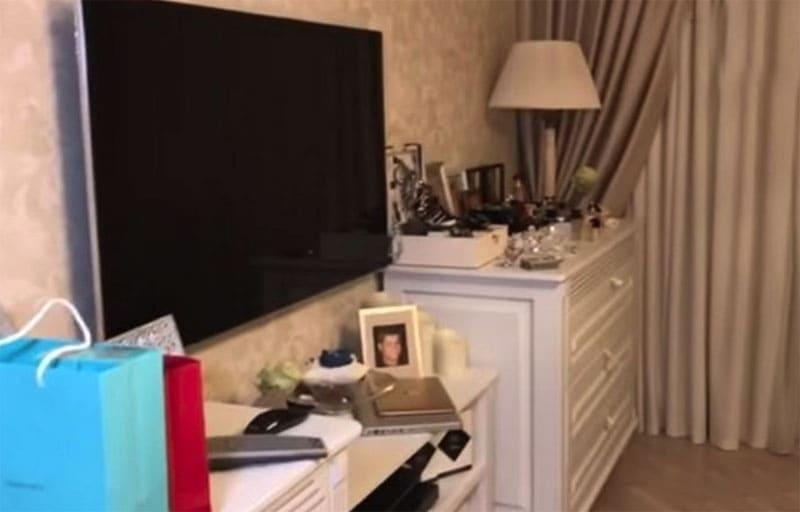 Мебель в спальне белоснежного цвета