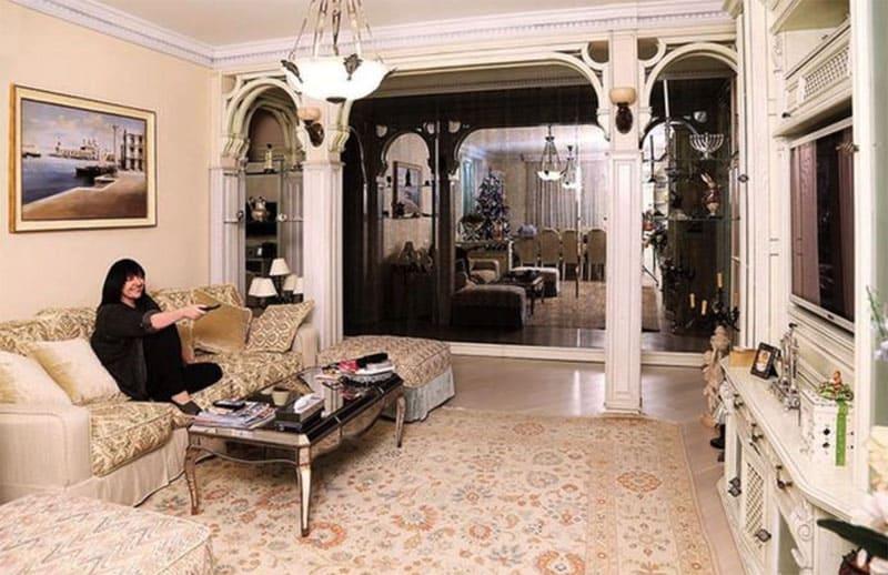 Дворцовый интерьер гостиной