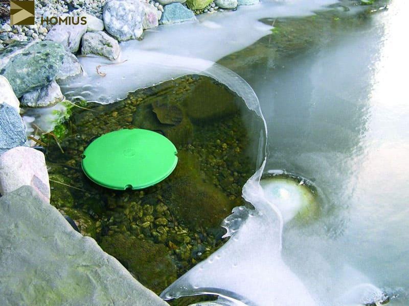 Некоторые товарищи пускают в водоемы плавающие обогреватели, которые сохраняют полынью при любой температуре