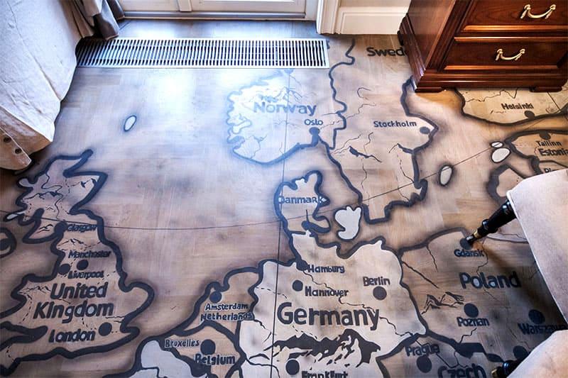 И, если карта есть на полу дворца Ланистеров, почему бы вам не сделать такую