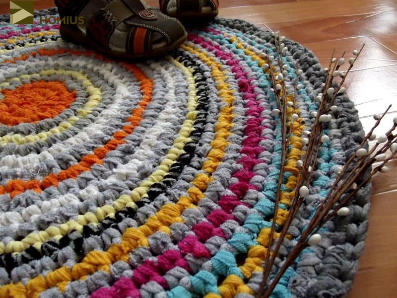 Второй вариант – плетение крючком. В нашем случае этот вариант более приемлемый, потому что узлы получаются более плотными