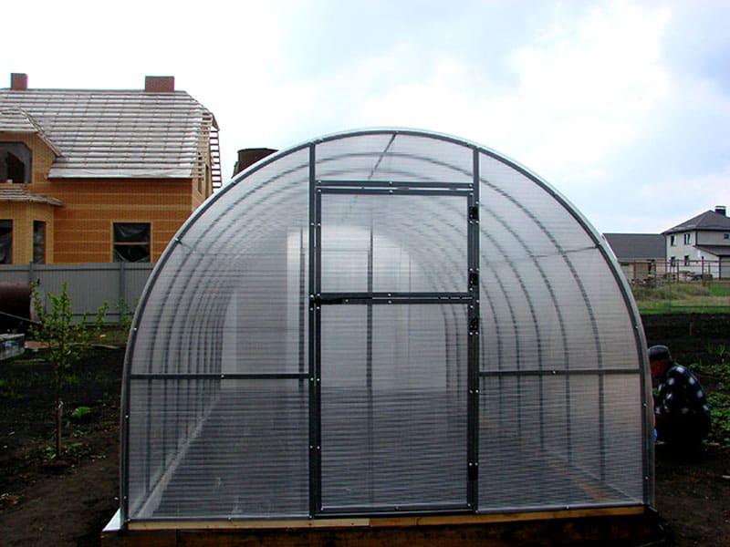Для арочных конструкций делают дуги 6 и 12 мм
