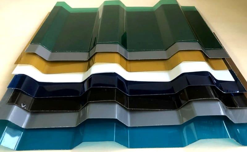 Профилированный материал имеет характерную форму