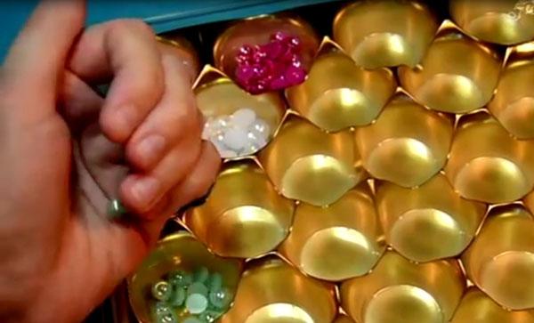 Используйте для хранения обычные старые коробки для конфет