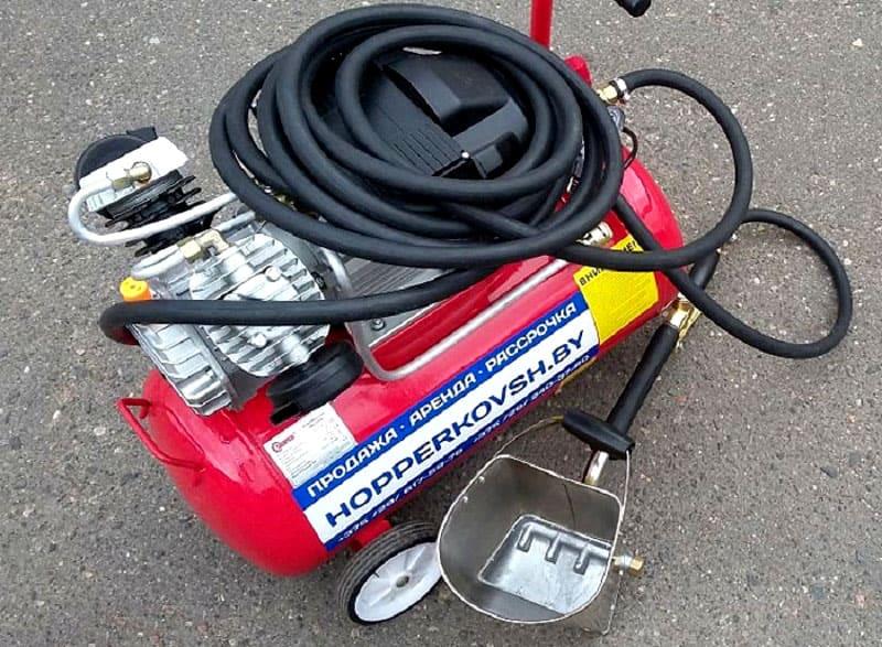 Хоппер-ковш может использоваться только в сочетании с компрессором соответствующей мощности