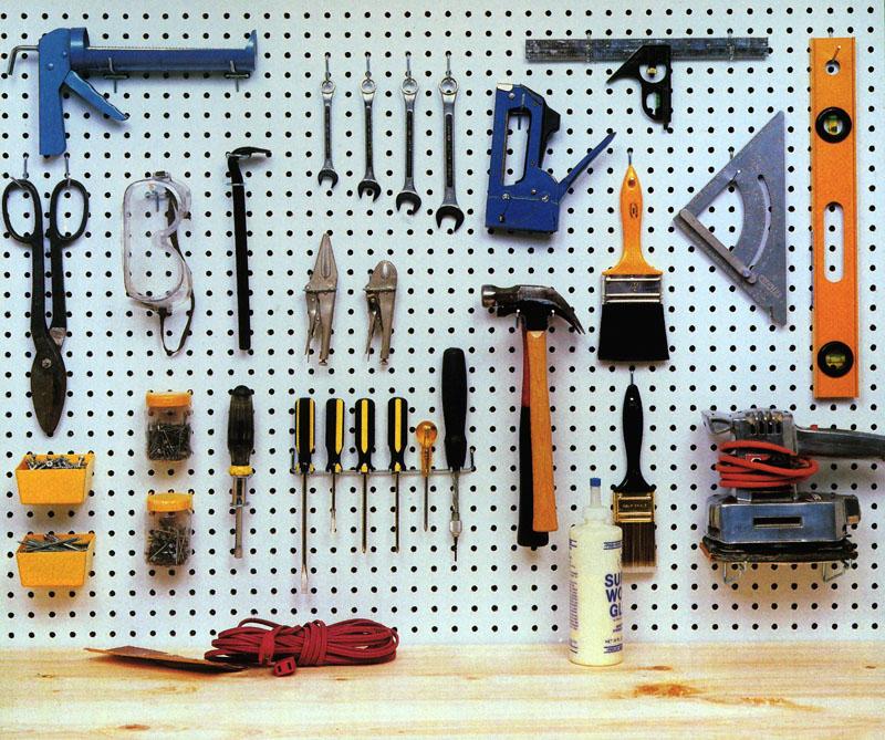 Дополнительные крючки можно купить в любой строительном магазине