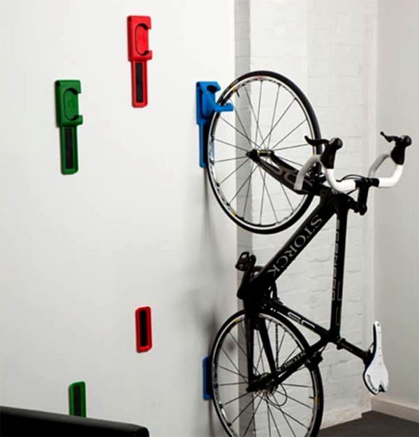 Специальный настенный крепеж для велосипедов
