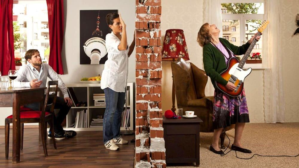 Даже в дневное время звуки от соседей могут раздражать