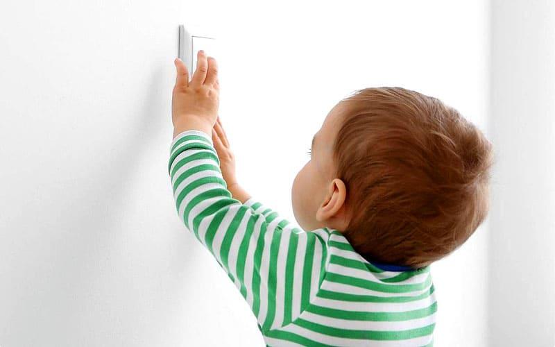 Деткам сложно будет достать до выключателей