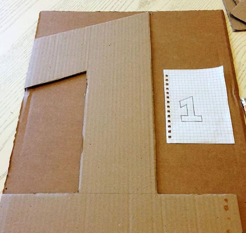 Переносим шаблон в натуральную величину на картон в зеркальном и обычном варианте