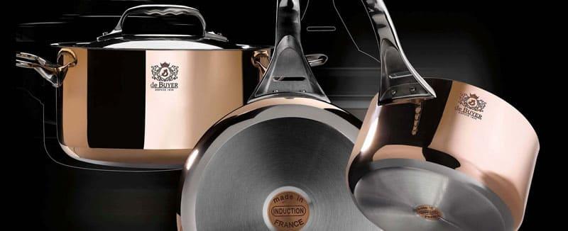 Дизайн посуды – важный критерий при выборе кухонной мебели. Желательно, сразу купить весь комплект от одного производителя