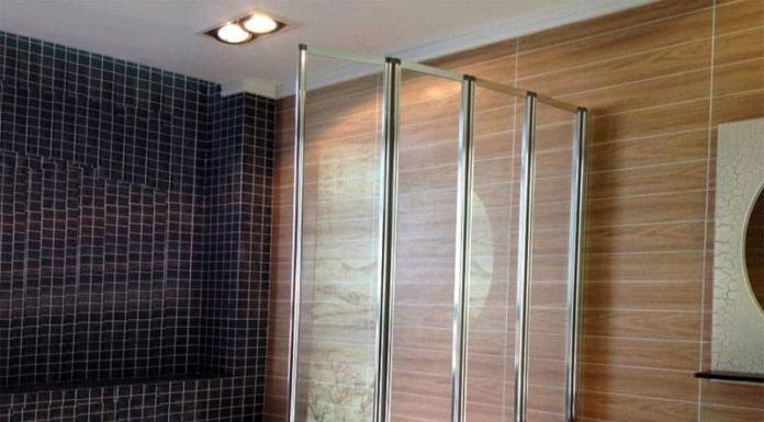 Стеклянные шторки для ванной: стильно, практично, доступно