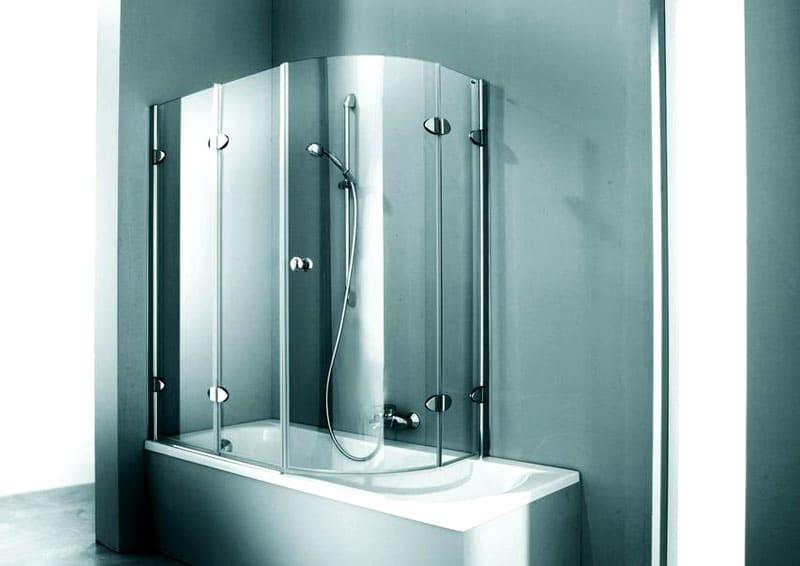 Можно установить на ванну нестандартную шторку из стекла изогнутой формы