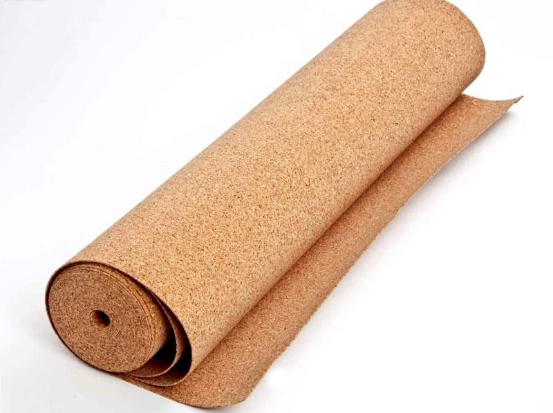 Кроме того, подложка может быть выполнена из пробкового покрытия толщиной 2 мм. Такие подложки продаются в рулонах