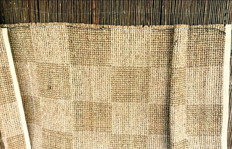 Циновки из рисовой или хлопковой бумаги обладают прекрасной износостойкостью и прочностью